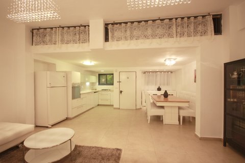 21.Luxury Rental 3BR House  image #11