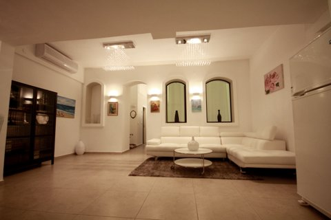 21.Luxury Rental 3BR House  image 1