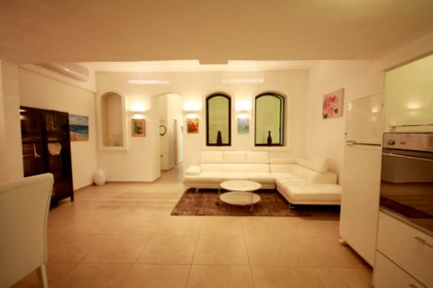 21.Luxury Rental 3BR House  image #10