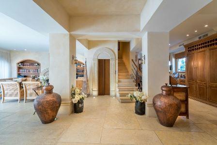 31.Luxury Villa Rechavia 8 BR image #11