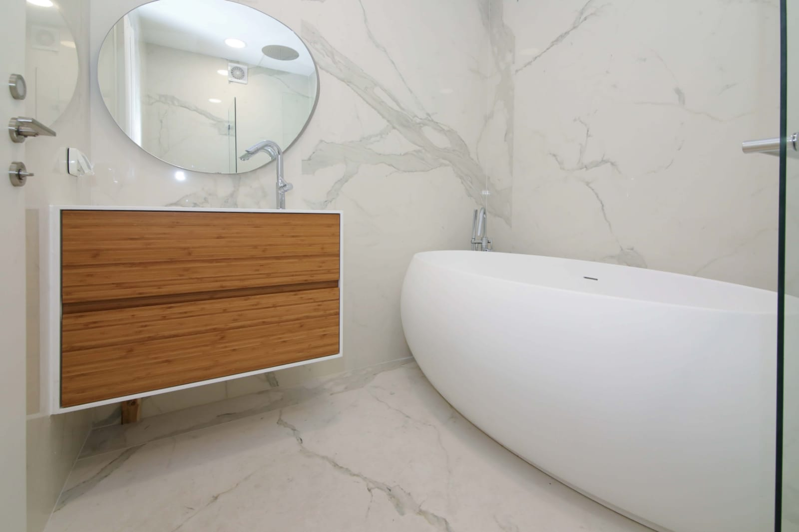 22.Luxury 2BR city Center/Mamilla image #2