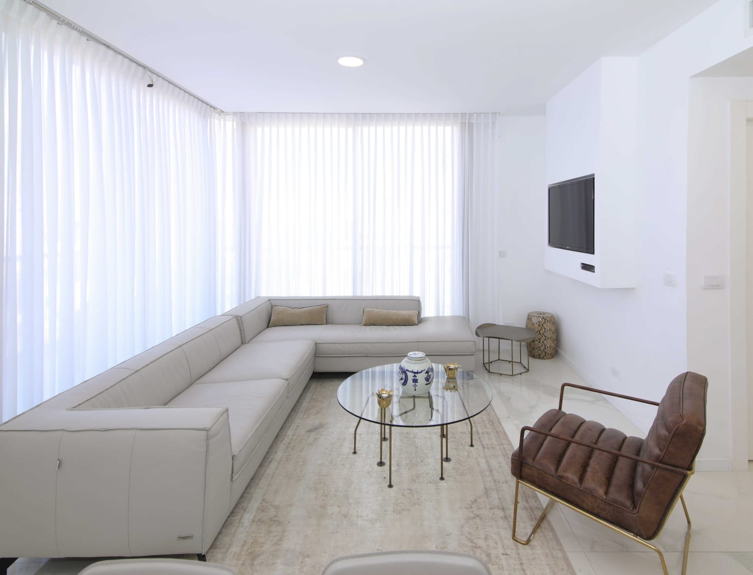 22.Luxury 2BR city Center/Mamilla image 3